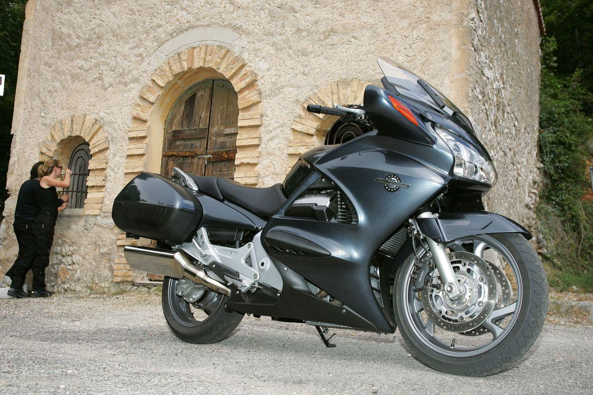 honda st 1300 pan european st1300 5 jpg. Black Bedroom Furniture Sets. Home Design Ideas